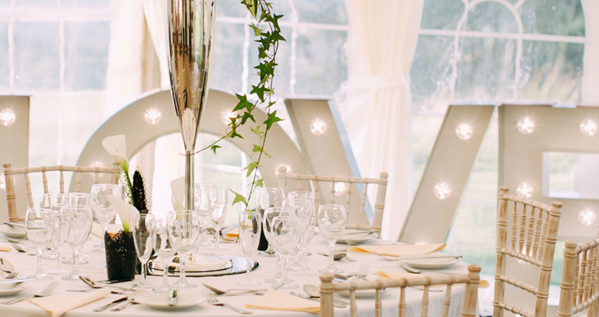 Magical moments and sparkle for your intimate wedding at Alexander House
