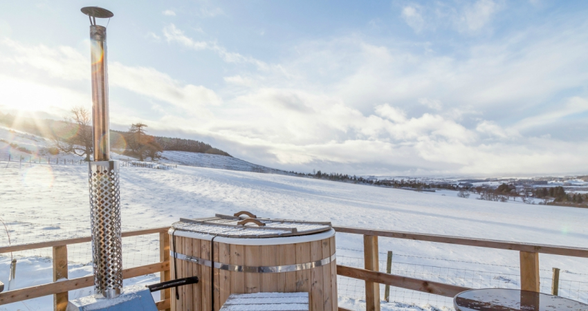 Yurt in the Snow | Wood-fired Hot Tub | Glamping Yurts Scotland Perthshire