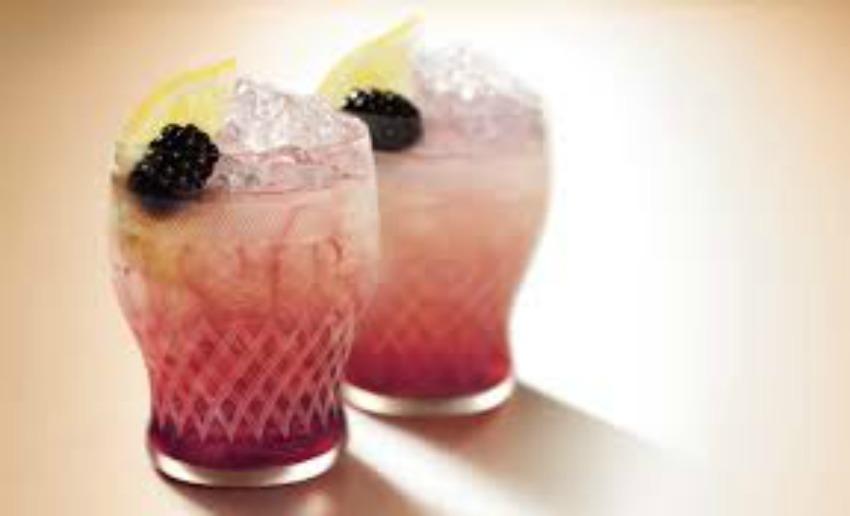 Strathearn Distillerty Heather Rose Gin | Wedding Drinks Ideas