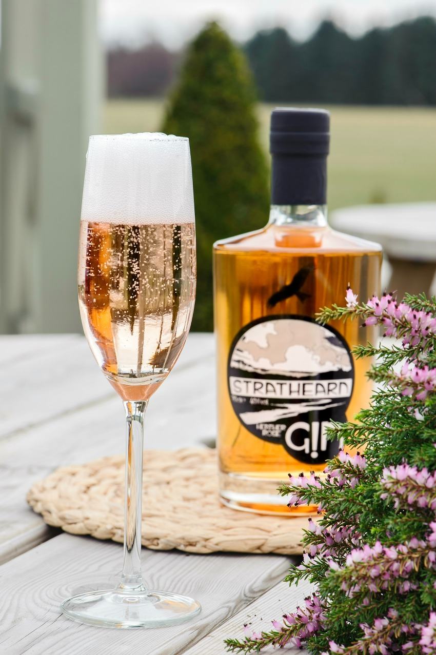 Strathearn Distillerty Heather Rose Gin | Wedding Drinks Ideas