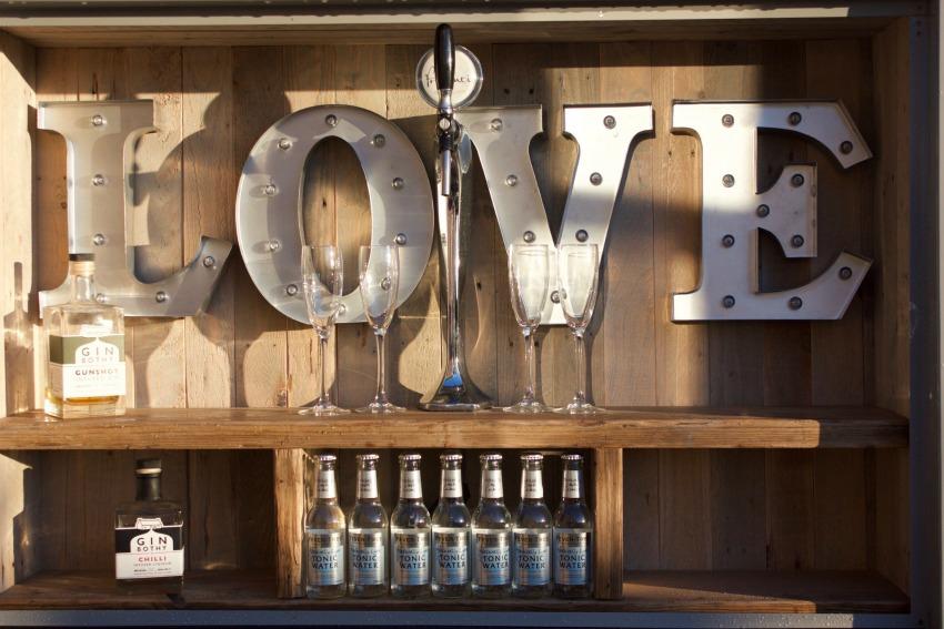 Mobile Wedding Prosecco & Gin Bar | Tipple in a TukTuk