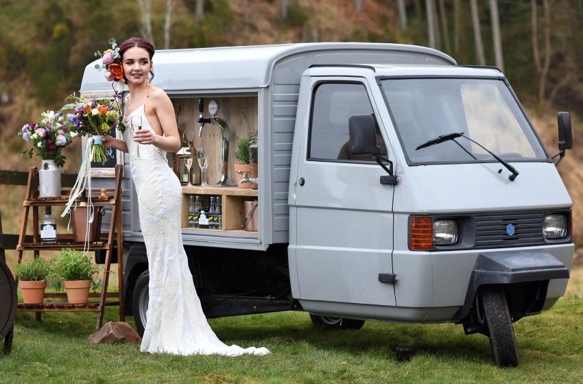 Mobile Wedding Prosecco & Gin Bar